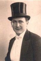 1923, Latin Amerika: Zati Bey
