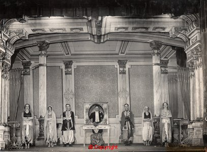 """Arjantin, 1930'lu yıllar, """"Akvaryum Oyunu"""" için sahne düzeni"""