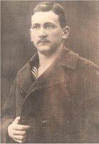 1914, Istanbul: Deniz Gedikli Okulu talebesi Zati Bey