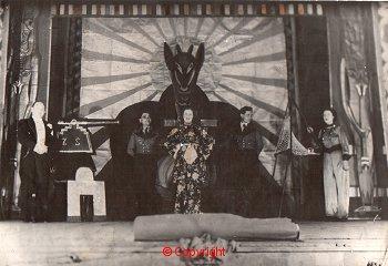 Asistanı Delip Geçen Top Mermisi İllüzyonu (1936-38)